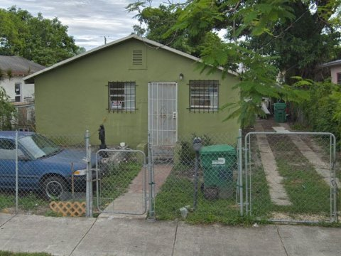 1832 NW 67th St Miami, FL 33147, USA