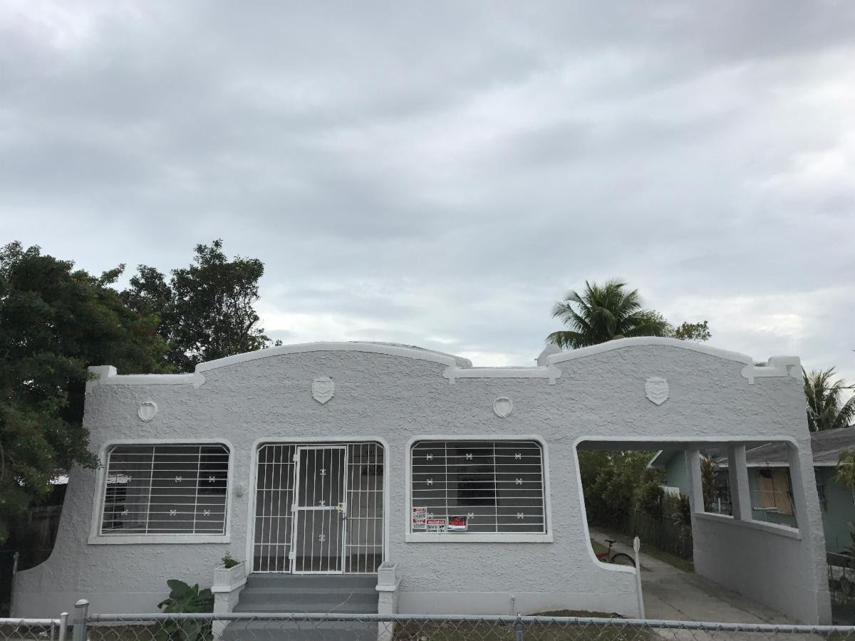 1934 NW 35th St Miami, FL 33142, USA