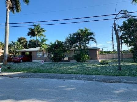 205 18th Ave S Lake Worth, FL 33460, USA
