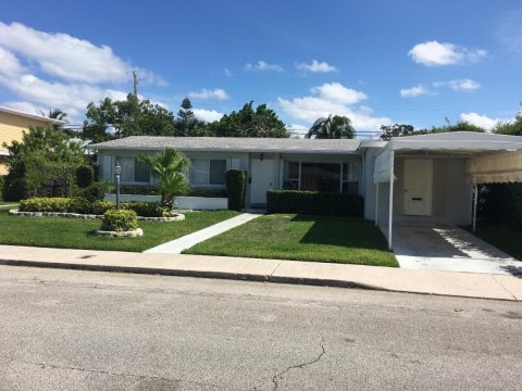 220 Gregory PlWest Palm Beach, FL 33405, USA