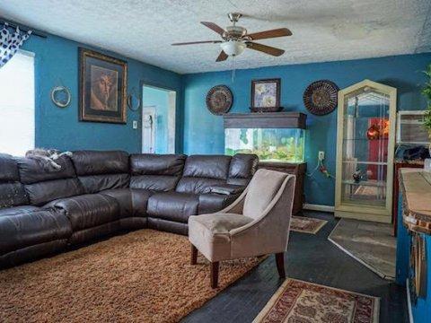 233 NW 6th Ave Boynton Beach, FL 33435, USA