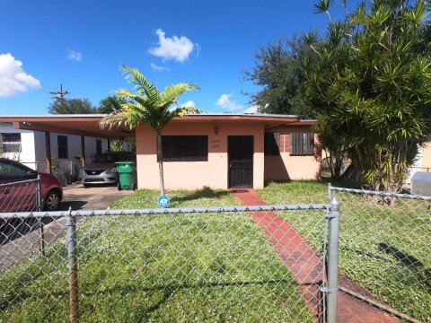 2835 NW 88th St Miami, FL 33147