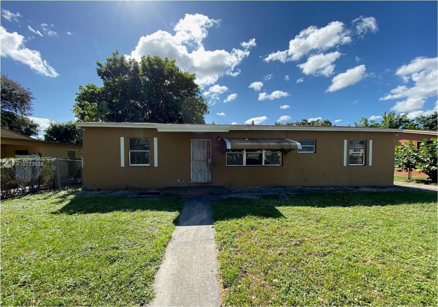 3030 NW 157th St Miami Gardens, FL 33054, USA