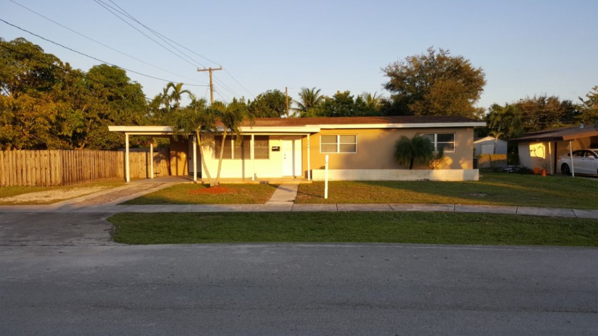 316 NW 45th Ave Plantation, FL 33317, USA