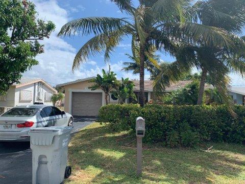 3820 NE 17th Ave Pompano Beach, FL 33064, USA