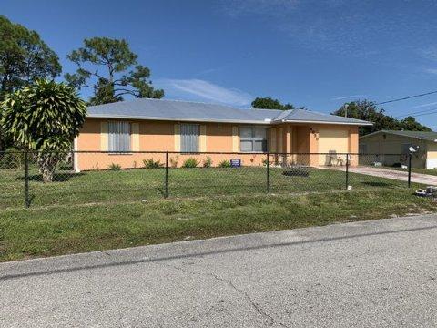 4855 Arthur St Stuart, FL 34997, USA