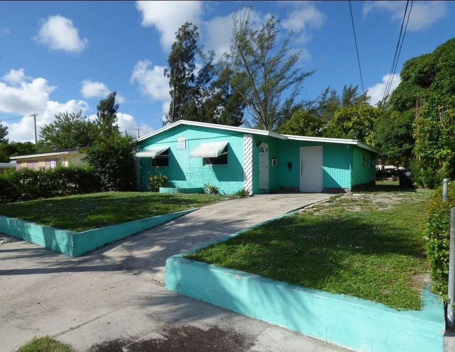 5019 Pinewood Ave West Palm Beach, FL 33407, USA
