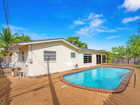 5240 NE 14th Terrace Fort Lauderdale, FL 33334, USA