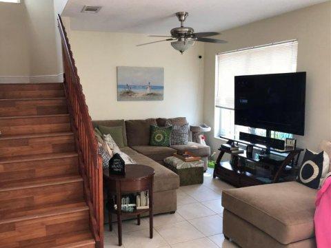 6308 Duval Dr Margate, FL 33063, USA