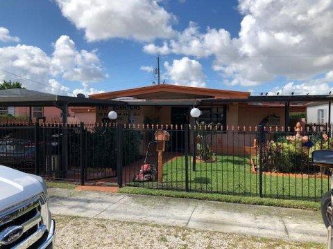 7142 NW 16th Ave Miami, FL 33147, USA