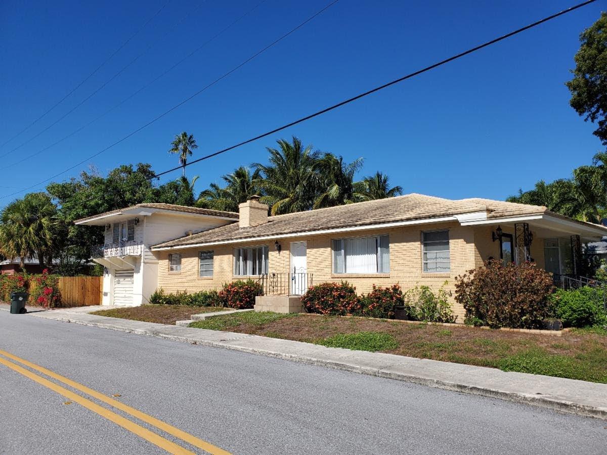 731 S Palmway Lake Worth, FL 33460, USA