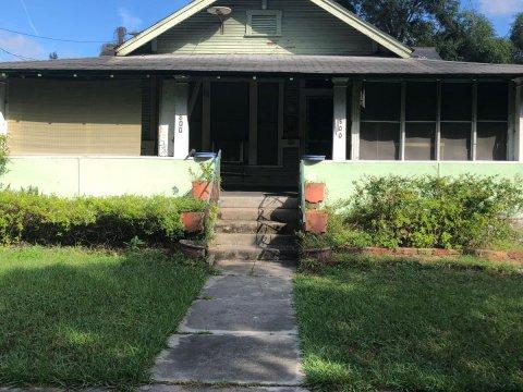 800 E Genesee St Tampa, FL 33603, USA