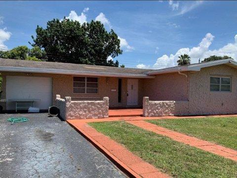 8661 Johnson St Pembroke Pines, FL 33024, USA