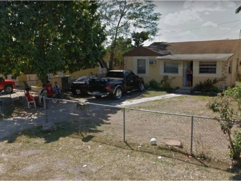 978 NE 5th Ave Homestead, FL 33030, USA