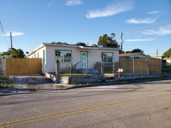 1075 W 30th St West Palm Beach, FL 33404, USA