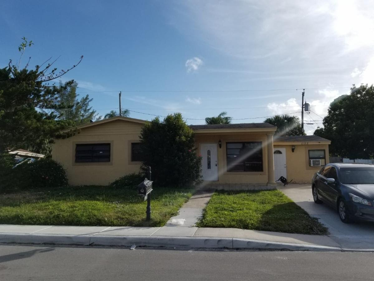 1153 W 26th St Riviera Beach, FL 33404, USA