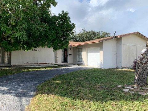 16010 SW 103rd Ct Miami, FL 33157
