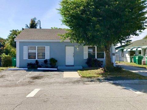 163 E 27th St West Palm Beach, FL 33404, USA