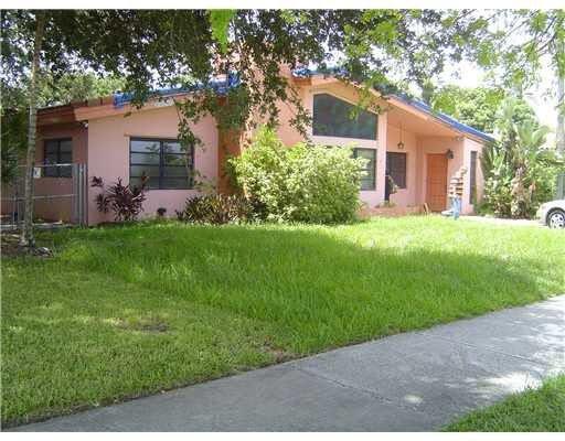19530 NE 26th Ave Miami, FL 33180, USA