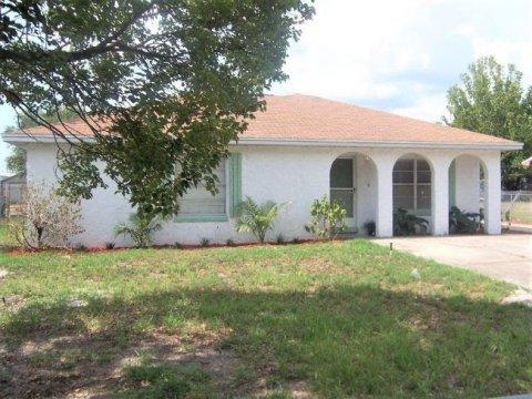 273 Cherry Laurel Ln Winter Haven, FL 33880, USA