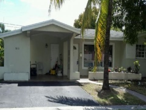 3610 NW 34th Ave, Lauderdale Lakes, FL 33309