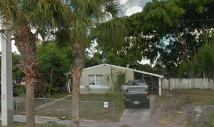 4719 Pinewood Ave West Palm Beach, FL 33407