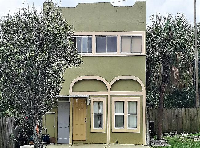 734 Tallapoosa St West Palm Beach, FL 33405, USA