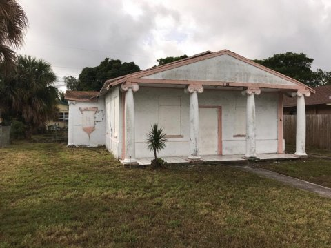 816 53rd St West Palm Beach, FL 33407