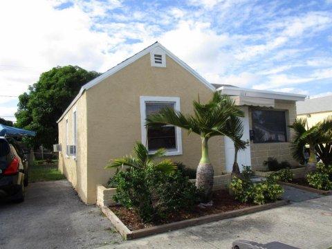 1014 18th St West Palm Beach, FL 33407, USA