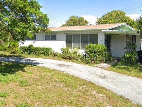 1386 Palm Beach Lakes Blvd West Palm Beach, FL 33401