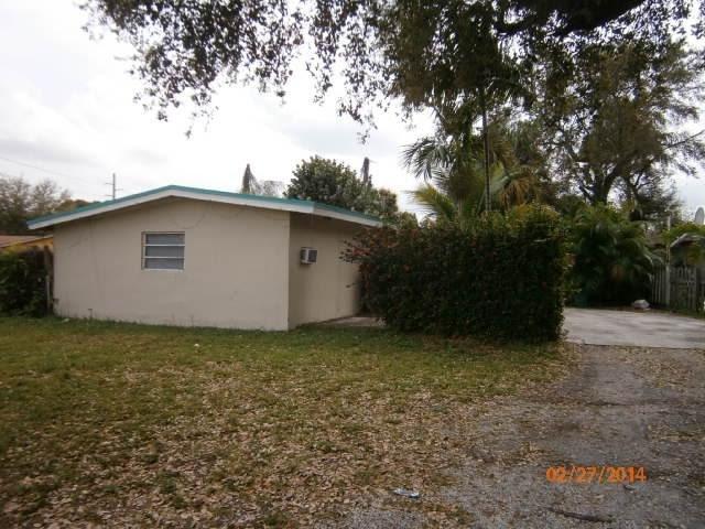 1572 NE 149th St Miami, FL 33161