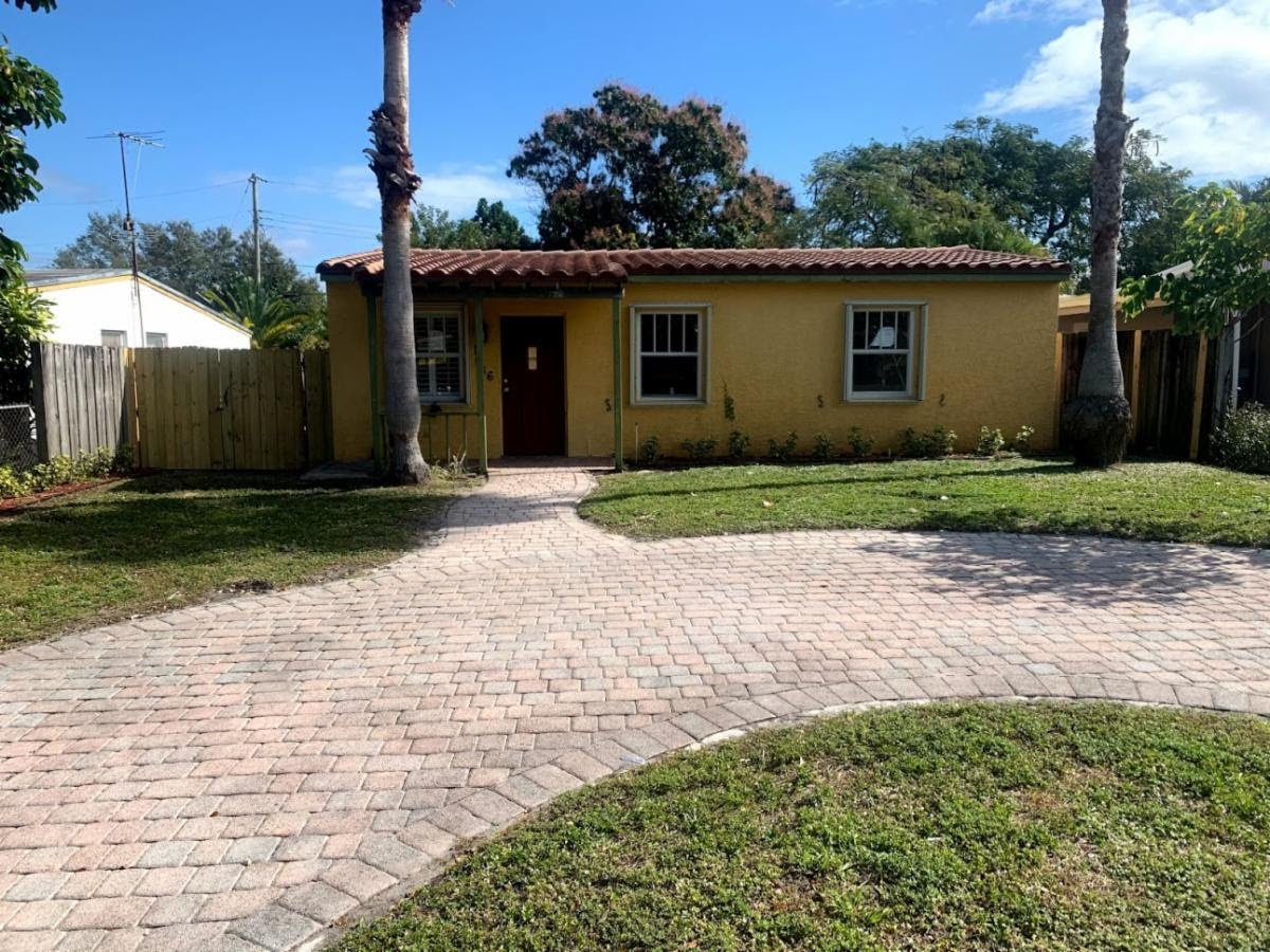 1636 NW 6th Ave Fort Lauderdale, FL 33311