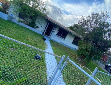17910 NW 84th Ave Hialeah, FL 33015