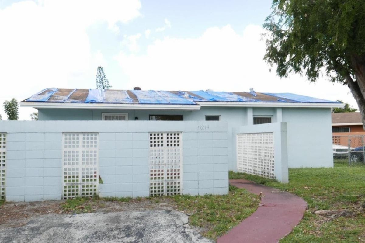 19214 NW 28th Ct Miami Gardens, FL 33056, USA