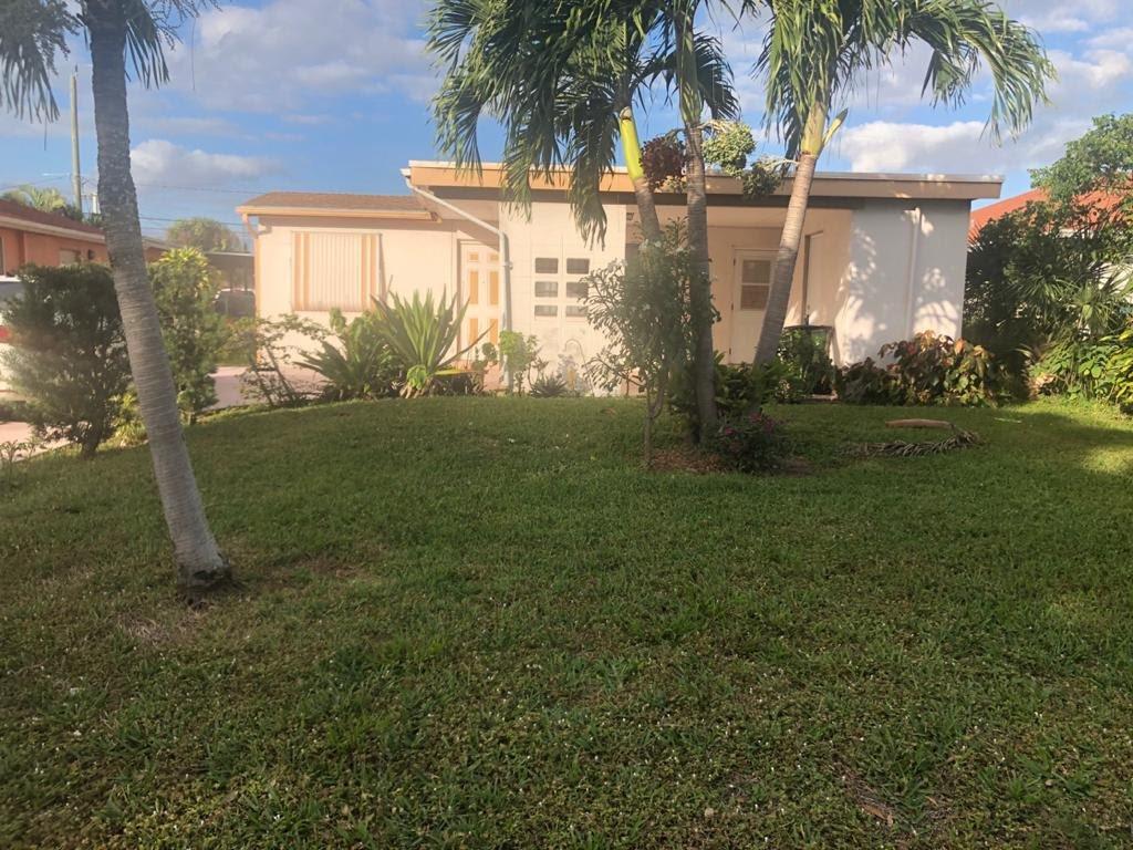238 SW 10th Ave Delray Beach, FL 33444