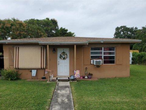 26520 SW 138th Ct Naranja, FL 33032, USA