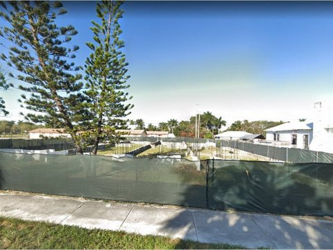 830 NW 1st Ave Homestead, FL 33030, USA