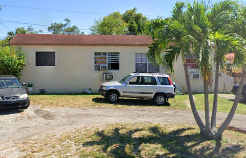952 42nd St West Palm Beach, FL 33407