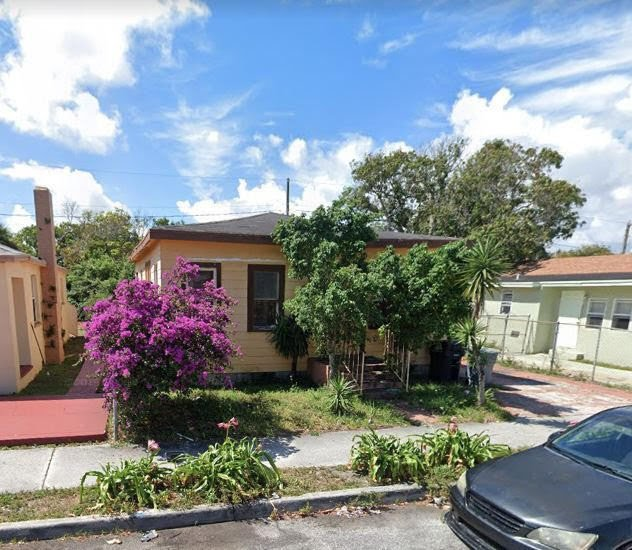 1030 State St, West Palm Beach, FL 33407