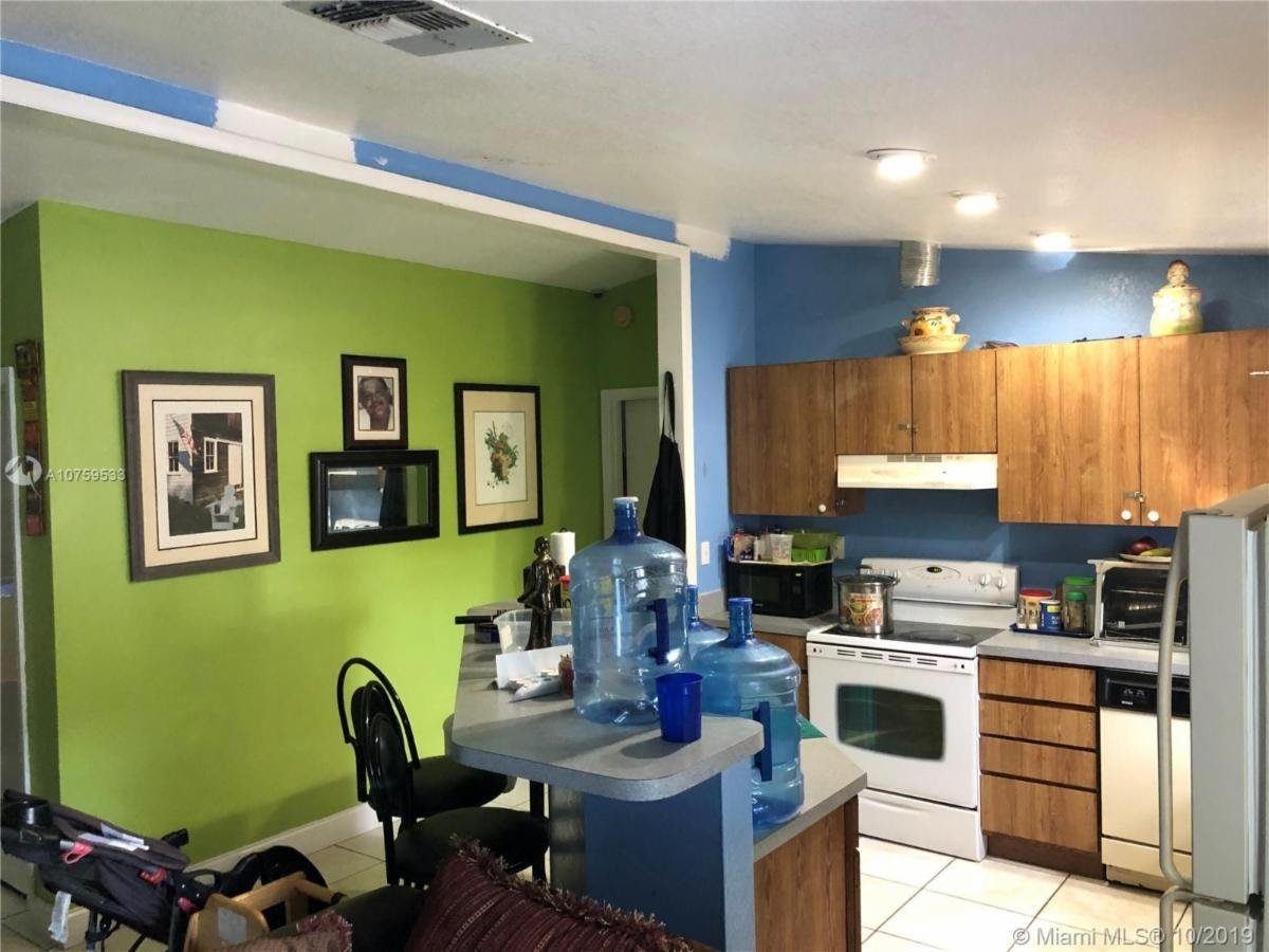 1216 NW 75th St Miami, FL 33147, USA