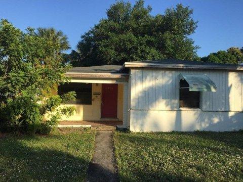 1522 NE 17th Way Fort Lauderdale, FL 33304