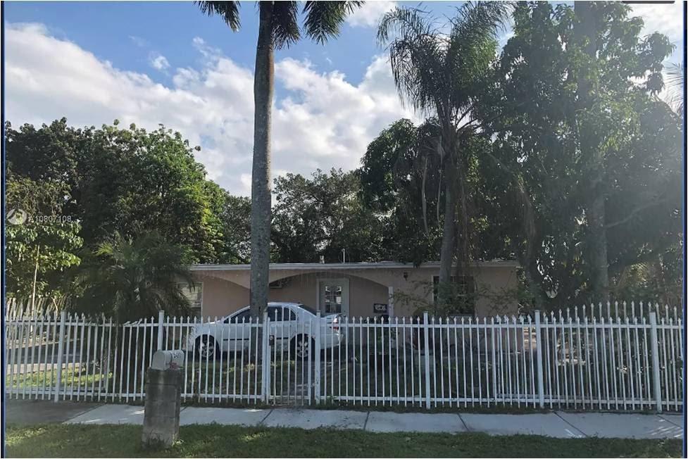 15490 Hayes Ln, Homestead, FL 33033
