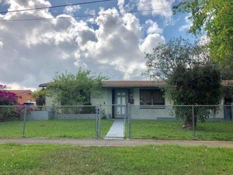 17910 NW 84th Ave Miami Lakes, FL 33015