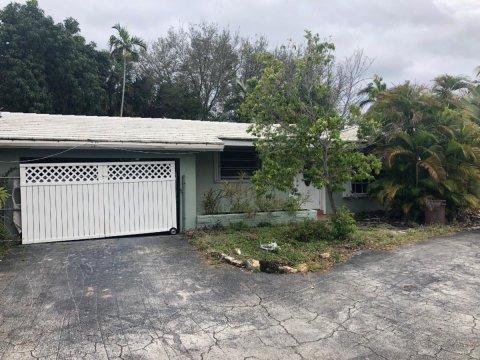 2101 NE 35th St, Lighthouse Point, FL 33064