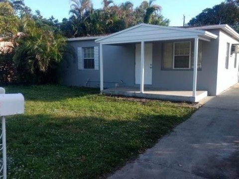 244 SW 21st St Fort Lauderdale, FL 33315, USA