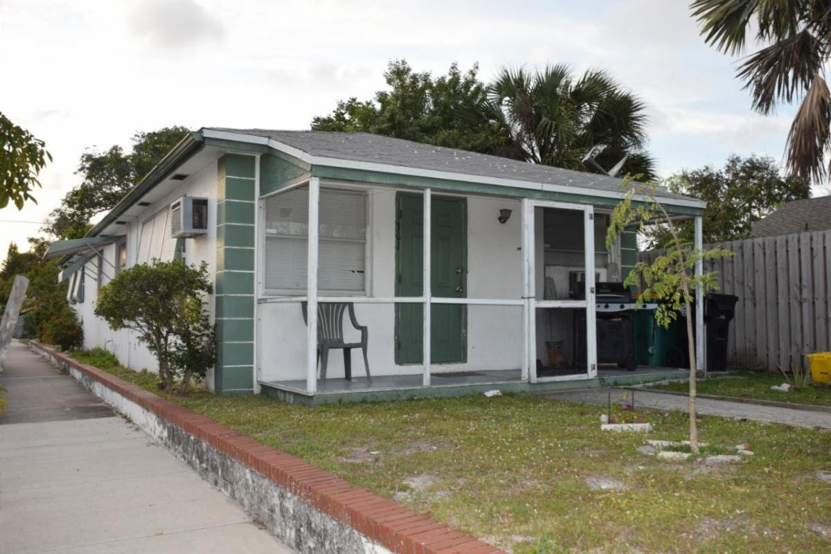 301 N F St, Lake Worth Beach, FL 33460