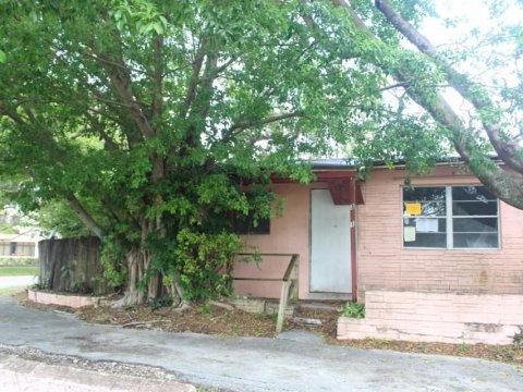 3301 NW 72nd Way Hollywood, FL 33024, USA