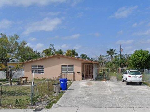 441 NE 29th St #1-2 Pompano Beach, FL 33064