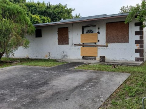 4822 SW 18th St, West Park, FL 33023