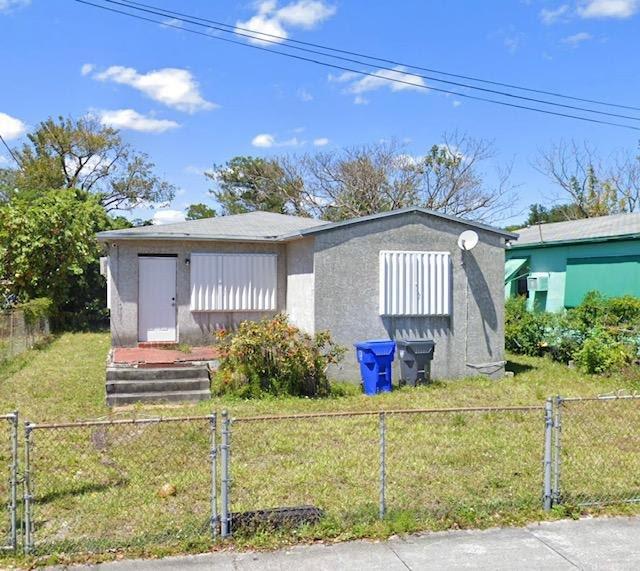 5011 SW 19th St West Park, FL 33023, USA